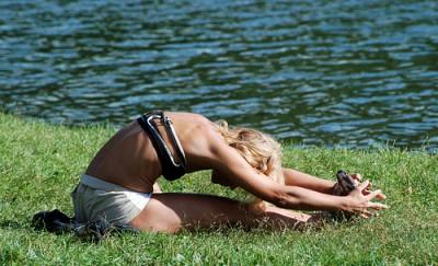 yoga-grass